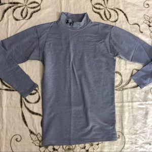 Gray under Armour thermal turtleneck shirt